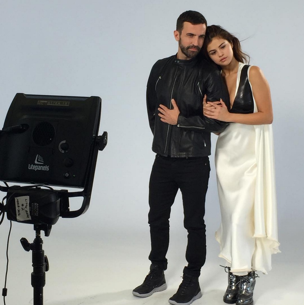 louis vuitton selena gomez june 2016Screen Shot 2016 06 20 at 19.50.15  1 Louis Vuitton's Latest Campaign features Selena Gomez in a New Look   See Photos